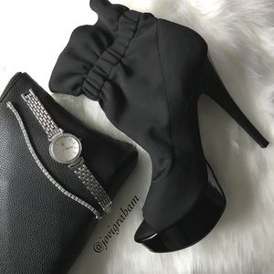 Shoes - 🌸HP🌸Chinese Laundry Stiletto Heel Bootie